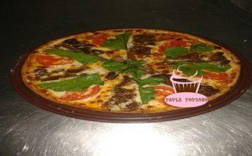 Kavurmalı Pizza Nasıl Yapılır